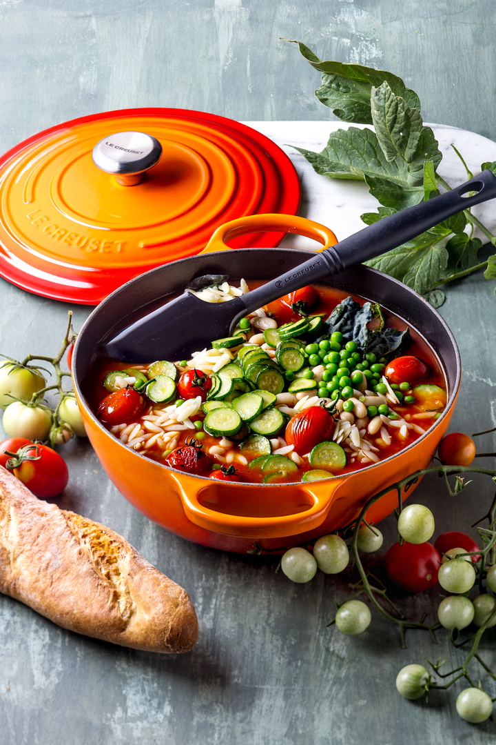 Le Creuset - Glazed cast iron, cast iron cocotte where the enamelling guarantees long life, resistance and versatility of use