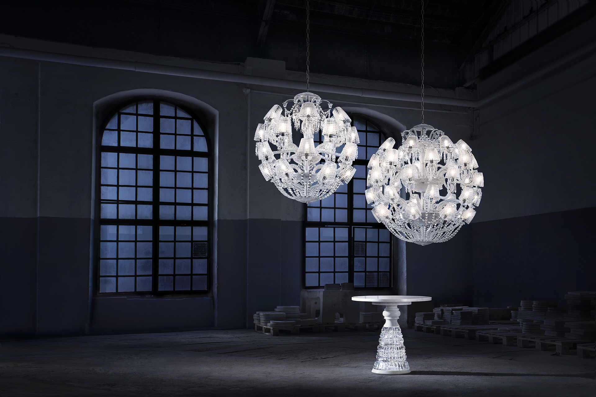 Baccarat - Le Roi Soleil, a contemporary touch of the iconic Zenith chandelier with its timeless and spherical shape