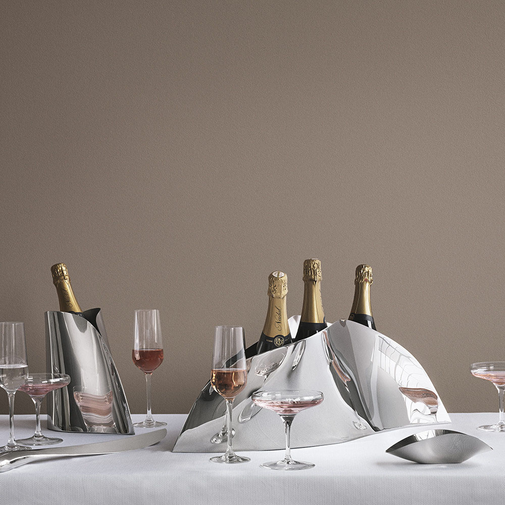 Georg Jensen - Indulgence, a champagne refresher with sculptural and organic shapes while maintaining its intrinsic beauty