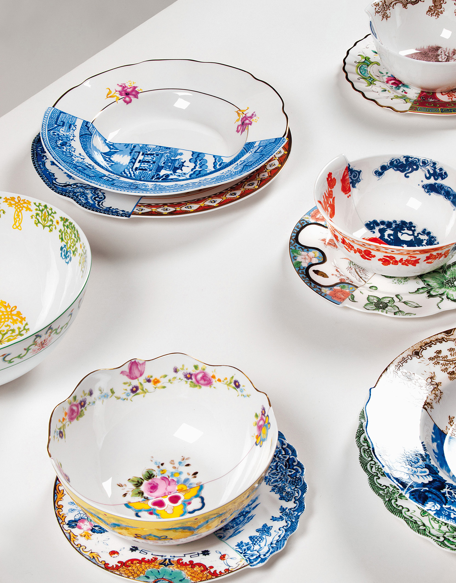 Seletti - Hybrid, table service where East and West meet in porcelain